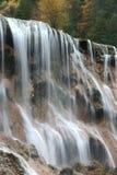 Cascade à écriture ligne par ligne de Jiuzhaigou Image stock