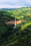 Cascade à écriture ligne par ligne de l'Ouganda Photos stock