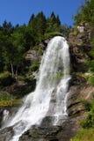Cascade à écriture ligne par ligne de la Norvège photos libres de droits