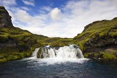 Cascade à écriture ligne par ligne de Landmannalaugar Photographie stock libre de droits