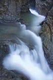 cascade à écriture ligne par ligne de samandere de fleuve Images stock