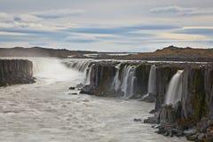 Cascade à écriture ligne par ligne de Selfoss, Islande Photographie stock