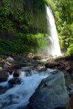 Cascade à écriture ligne par ligne de Sindang Gila Lombok Image stock