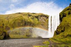 Cascade à écriture ligne par ligne de Skogafoss, Islande Photographie stock