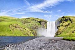 Cascade à écriture ligne par ligne de Skogafoss, Islande Images stock