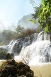 Cascade à écriture ligne par ligne de Thi Lo Su Images stock