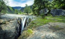 Cascade à écriture ligne par ligne de Trois Roches Photos stock