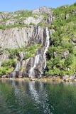 Cascade à écriture ligne par ligne de Trollfjord Photos stock