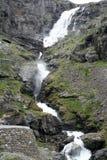 Cascade à écriture ligne par ligne de Trollstigen Image stock