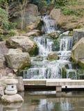 Cascade à écriture ligne par ligne de zen Photographie stock