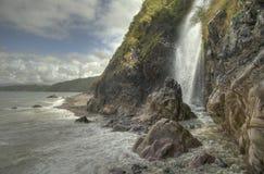 Cascade à écriture ligne par ligne Devon gigaoctet de Clovelly photos stock