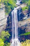 Cascade à écriture ligne par ligne en Appalaches Photographie stock
