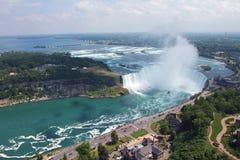 Cascade à écriture ligne par ligne en fer à cheval, Niagara Falls, Canada Photographie stock libre de droits