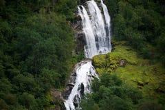 Cascade à écriture ligne par ligne en Norvège Photo stock