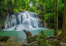 Cascade à écriture ligne par ligne en Thaïlande Photos stock