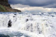Cascade à écriture ligne par ligne Islande de Godafoss Images libres de droits