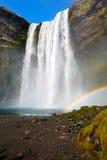 Cascade à écriture ligne par ligne Islande de Skogafoss Photo libre de droits