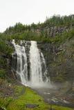 Cascade à écriture ligne par ligne scénique en Norvège Images libres de droits