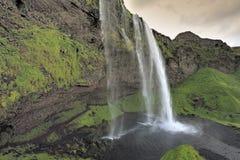 Cascade à écriture ligne par ligne Skogafoss, Islande Photographie stock libre de droits