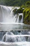 Cascade à écriture ligne par ligne sur le fleuve d'Una Photographie stock