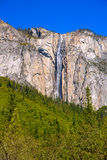 Cascade au printemps la Californie de chute de queue de cheval de Yosemite image stock