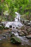 Cascade au village de Mae Kampong en Chiang Mai, Thaïlande Images libres de droits