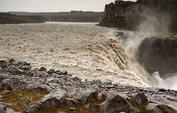 Cascade à écriture ligne par ligne de Detifoss, Islande Photos stock
