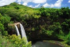 Cascade à écriture ligne par ligne scénique en Hawaï Image libre de droits
