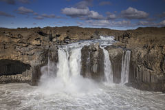 Cascade d'Aldeyjarfoss Photos stock