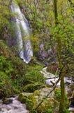 Cascade d'Auga Caida, Ferreira de Panton, Lugo, Espagne Images stock
