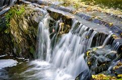 Cascade d'automne Photo libre de droits