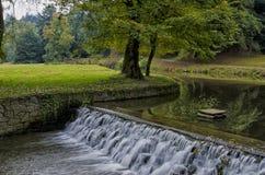 Cascade d'automne Photos libres de droits