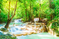 Cascade d'Erawan, parc national d'Erawan chez Kanchanaburi dans Thaila photographie stock