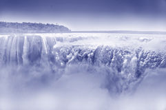 Cascade d'Iguazu avec de la vapeur Photos stock