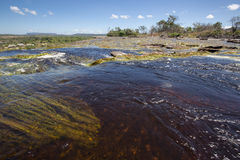 Cascade dans la lagune de Canaima, Venezuela photos stock