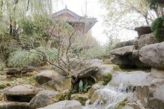Cascade dans le temple de wuhouci, adobe RVB photo libre de droits