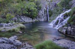 Cascade de Capivara dans DOS Veadeiros de Chapada Images stock