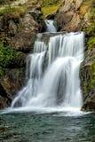 Cascade de cascade de beau voile Images libres de droits
