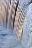 Cascade de crique de Portage de l'hiver photo libre de droits