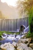 Cascade de Feiyun dans la tache scénique de Zhangjiang, Libo, Chine Photo stock