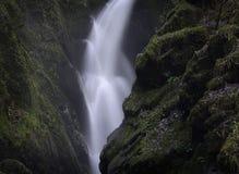 Cascade de force d'Aira, secteur de lac, Angleterre Photos stock