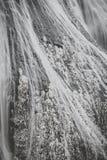Cascade de glace en quelques automnes de Fukuroda de saison d'hiver photos stock