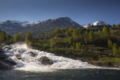 Cascade de Hellesylt, Norvège Image libre de droits