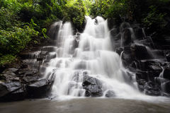 Cascade de Kanto Lampo dans Bali, Indonésie Image stock