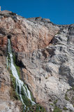 Cascade de l'intérieur de la roche Images stock