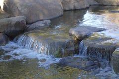 Cascade de lac winter, Cortez Park, Phoenix, AZ image libre de droits