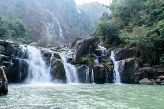 Cascade de Lodh ou de Burhaghat dans Jharkhand Photo libre de droits