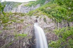 Cascade de MÃ¥nafossen dans Rogaland, Norvège images libres de droits