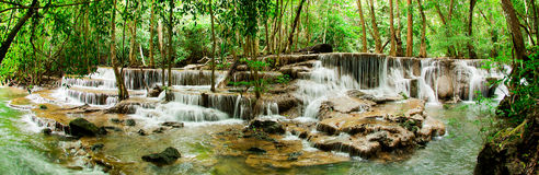 Cascade de paradis (Huay Mae Kamin Waterfall) Photos libres de droits