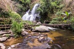 Cascade de Pha Dok Sie en parc national de Doi Inthanon, Chiangmai Thaïlande Image stock
